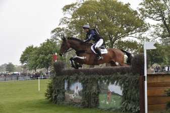 Alex Bragg and 'Zagreb' leaping the fence two