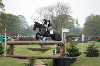 Lydia Hannon and 'My Royal Touch' having no problems at the 'KBIS Bridge'