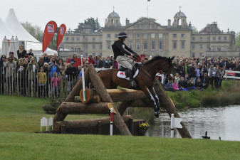 Toddy and 'Leonidas II' jumping into 'The Lake'