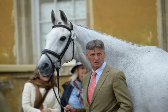 Andrew Nicholson and Swallow Springs wait for the first horse inspection