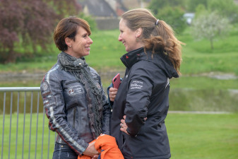 Bettina Hoy and Alice Fox-Pitt enjoying a catch up