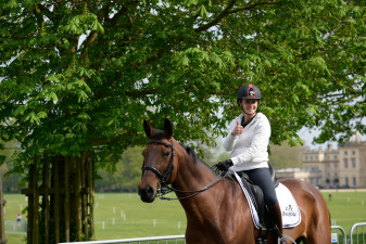 Thumbs up from Italy's Arianna Schivo with Quefira de l'Ormeau