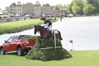 William Fox-Pitt leaving The Lake with L200s with Little Fire