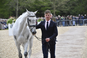 Will Furlong flies through the final horse inspection with Collien P 2
