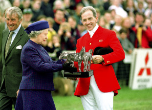 1999 Ian Stark on Lady Hartington's JayBee presented by HM the Queen