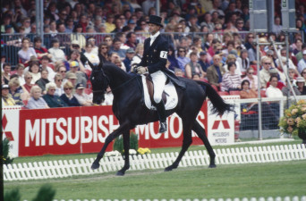 1998 Mark Todd riding Broadcast News in the Dressage