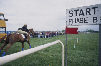 1994 Mark Todd riding Horton Point at the start of the steeplechase