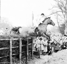1958 Sheila Willcox on High and Mighty