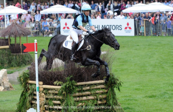 Jonelle Price riding Classic Moet NZL