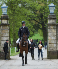 William Fox-Pitt heading over to the dressage arena with Fernhill Pimms, closely followed by his wife, Alice Fox-Pitt