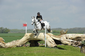Alfies Clover getting a clean jump over the HorseQuest Hump